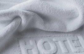 Biały ręcznik hotelowy - tekstylia hotelowe Mabotex