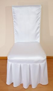 biały pokrowiec na krzesło MABOTEX