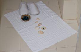 Dywanik - ręcznik hotelowy biały Mabotex