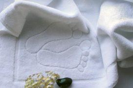 Dywanik ręcznik hotelowy stopki biały Mabotex - biały