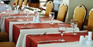 poradnik - jak prać obrusy do restauracji poliestrowo - bawełniane