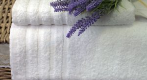 jak prać ręczniki hotelowe - poradnik